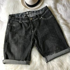 Suko Bermuda Raw Hem Zip Pockets Jean Shorts, 12